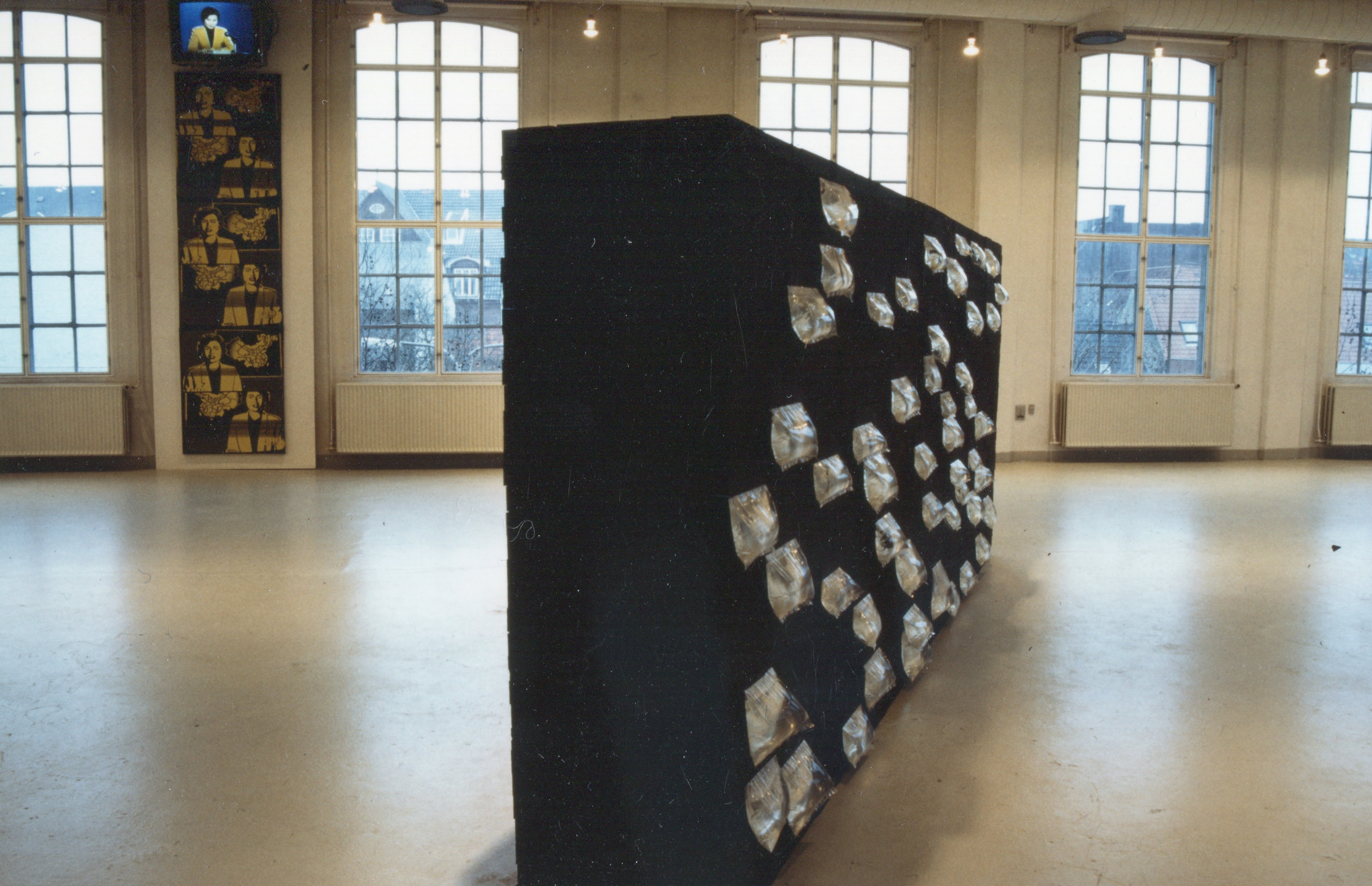 The Wall Itself (Exhibition View)