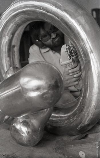 Photographs of Raghav Kaneria making Sculpture