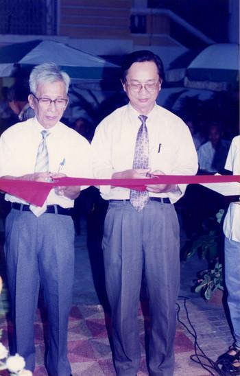 Luu Cong Nhan (Exhibition Opening)