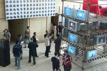 Image: The graduation exhibition of NMAD in 2007, photograph. Courtesy of Jiang Zhuyun.