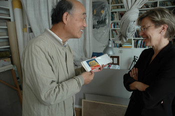 You Youhan and Jane DeBevoise in his studio