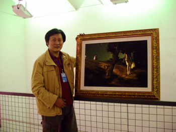 Wu Qi with his work The Day Doesn't Know the Dark of Night