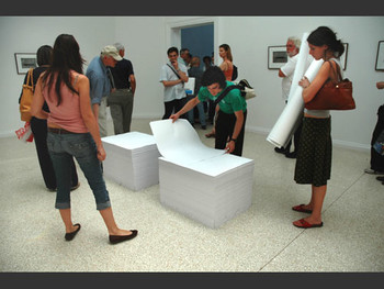 Work by Felix Gonzalez-Torres, USA Pavilion.