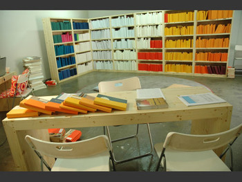 """""""Surviving the Future – In Her Library"""" exhibition view (Insa Art Space)."""