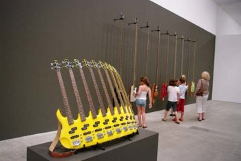 Rudi Mantofani, Nada yang hilang (The lost note), 2006-08, wood, metal, leather and oil