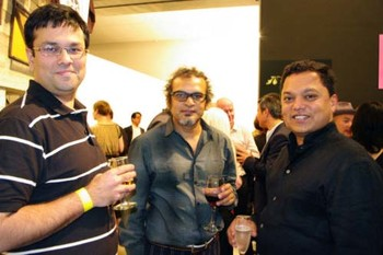Subodh Gupta (centre), Chaitanya Sambrani (right)