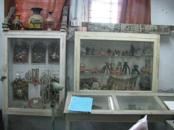 Image 18: artefacts from folk' and 'tribal' communities