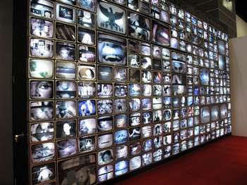 Angki Purbandono, TV Lovers, 2010, light box installation at ART HK 11