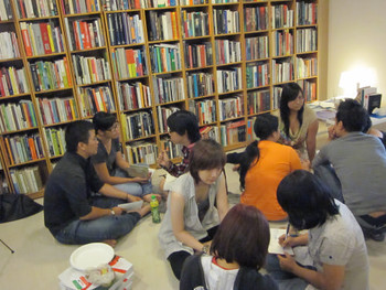 Group discussion among students from RMIT University Vietnam