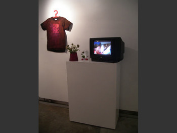 Wen yau, Civil Left/Right 3.4 - Go China!, live art and video installation.