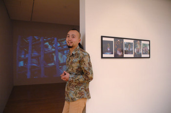 Merit Award winner of Documentaries of Chinese Performance Art 2008, Xing Xin (Mainland China), and his work <i>Kids of Worker</i>.