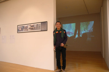 Merit Award winner of Documentaries of Chinese Performance Art 2008, Gua Zi (Mainland China), and his work <i>Gua Zi Transporting Earth No. 3</i>.