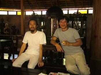 Left: Artist Prasong Luemueng;