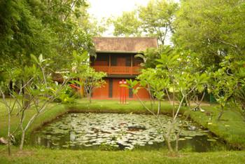 View of Inson Wongsam's idyllic house and studio.
