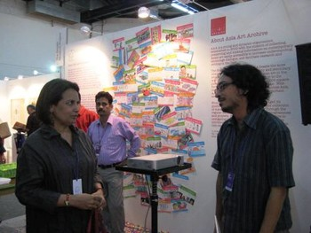 Collector Lekha Poddar (left) and artist Sarnath Banerjee (right) in conversation