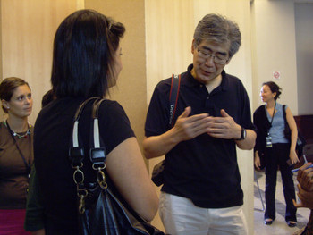 Fumio Nanjo answering audiences' questions after the tour.