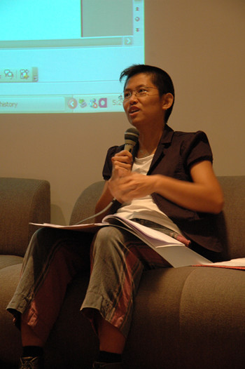 Guest speaker Leung Poshan Anthony at HistoriCITY Roundtable
