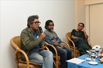 Discussion at Abdur Razzak Library, 10 Dec 2015.