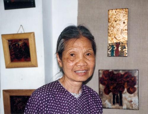 Vu Dan Tan's Mother at Medium-Lacquer . Size-Small