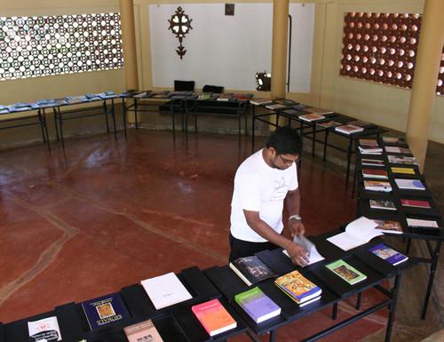 mobilelibrary-jaffna-01-list.jpg