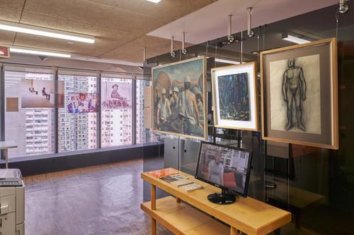 圖片(右至左):耿建翌,《無題》,1983年,紙上鉛筆素描,39.5 x 54.5厘米;《無題》,1983年,紙上油畫,34.5 x 41.5厘米;耿建翌家人惠允。張培力,《無題》,1983年,布上油畫,120 x 100厘米。中國美術學院藏;由張培力及中國美術學院惠允。