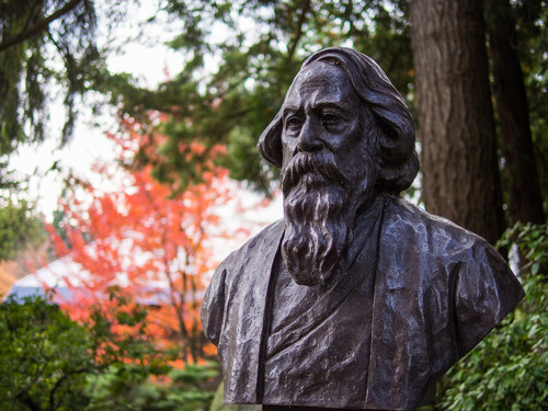 Image: Statue of Rabindranath Tagore. Photo: Eugene Kim.