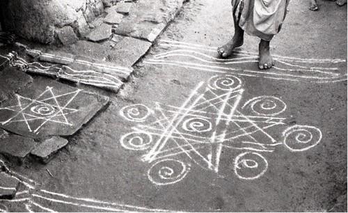 Image: Jyoti Bhatt, Kolam/Rangoli (Floor Paintings), Madras, photograph, 1974.  Jyoti Bhatt Archive, AAA Collections.