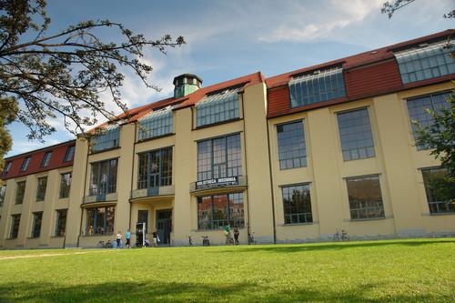 Image: Bauhaus-Universität Weimar, Hauptgebäude. Photo: Ralf Herrmann.