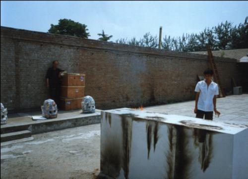戴漢志和鄭國谷,正準備鄭國谷在CAAW的個展,2000年