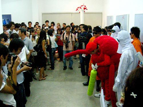 'transPOP: Korea Việt Nam Remix' opening at Galerie Quynh, Sài Gòn, 2008.