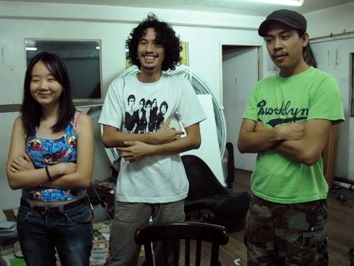 Image: (<i>from left</i>) M. M. Yu, Poklong Anading, and Manny Migrino in the Artist Compound, Cubao, Manila, Feb 2008.