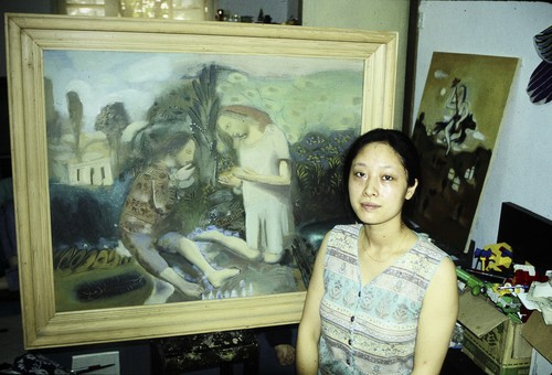 Image: Photograph of He Chengyao and her work, circa 1993.