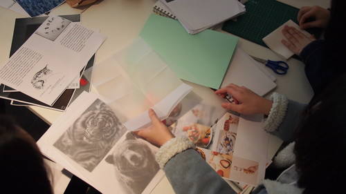 Image: A zine workshop by Beatrix Pang for secondary school students. Asia Art Archive, 2017.