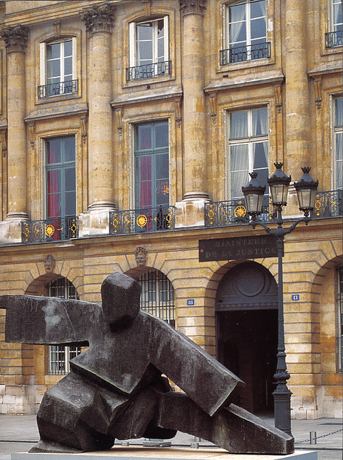 Ju Ming: Place Vendome
