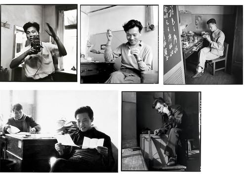 圖片:李振盛在黑龍江辦公室的自拍照的拼貼。 由李適提供。