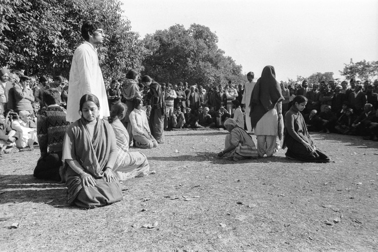 Om Swaha (India Gate grounds)—01 of 25